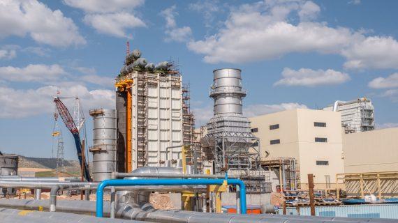 واحد نخست بخش گاز نیروگاه سیکل ترکیبی دالاهو با موفقیت به شبکه سراسری برق کشور سنکرون شد